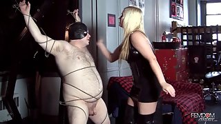 FemdomEmpire - Punishing His Balls
