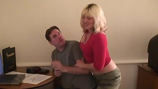 [FemdomArmy] Stop smothering me (Foot smother)