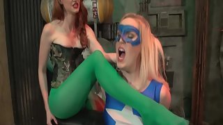 KendraJames - Kendra & Amanda - Poison Ivy Captures Star Girl