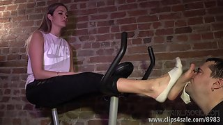 Felicia's Stinky Workout Feet