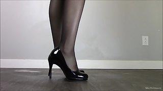 Miss Melissa - Black Pumps
