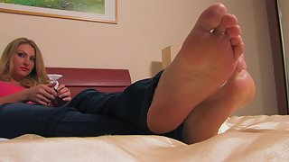 Femdom - FeetJeans - Sexy Alexis rubbing her soles