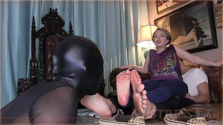 Mistress T - Kinky Gimp Service And Humiliation