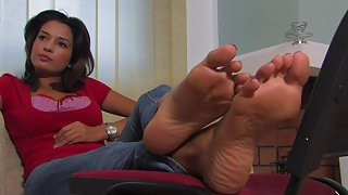 Femdom - FeetJeans - Hot redhead shows her amazing red toes