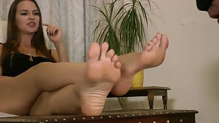 GoddessLeyla - Foot Worship Instructions