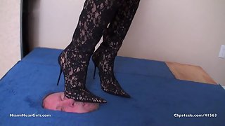 Princess Perfect face trample black boots in box