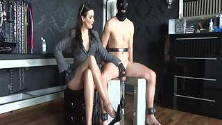 Lady Victoria Valente - She Is The Boss! Edging Game & High Jumping Sperm Fountain