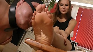 GoddessLeyla - Suffer For Lady Ivetas Pleasure