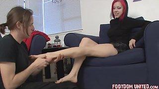 FootdomUnited - StockingSlave - theafootrest
