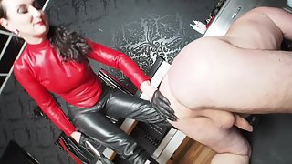 Lady Victoria Valente - Whipping in wellingtons boots! When the Made is too late...
