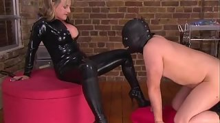PleasuringThe Rubber Madam
