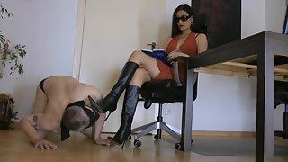 GoddessLeyla - Bootslaves Task