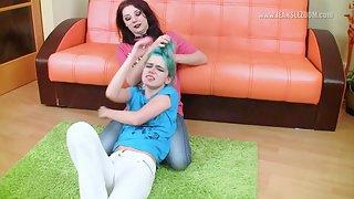 [JeansLezdom] Dizzy & Kira R - Sexy jeans dominance