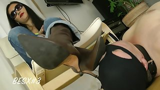 GoddessLeyla - Eat My Feet And Socks