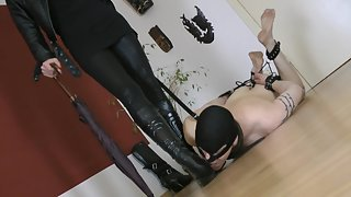 GoddessLeyla - Boots Cleaning Before Date