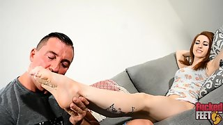 FuckedFeet - Kitty - Local Girl Gives Her First Footjob
