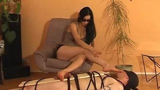 GoddessLeyla - Bound Foot Slave