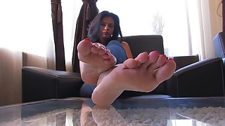 Femdom - FeetJeans - Sexy Alanna wiggling her long toes