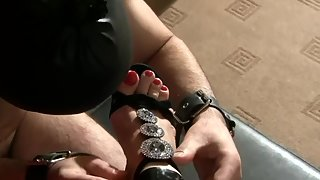 [Mistress Luna] Feet Lover