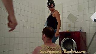 Berlin scatqueen Mistress scat