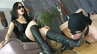 GoddessLeyla - Brutal Strangling And Boots Worship