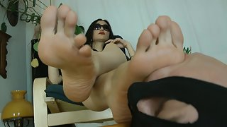 GoddessLeyla - Smell And Lick Sweat And Dirt