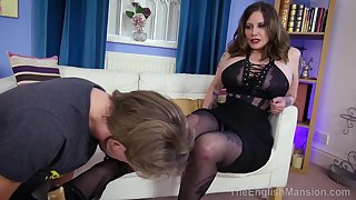 TheEnglishMansion - Ladys Foot Seduction - P1