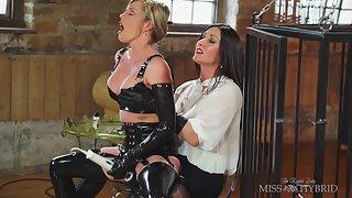 Holly Kiss Latex Mistress