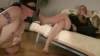 GoddessLeyla - My Dirty Soles Cleaner